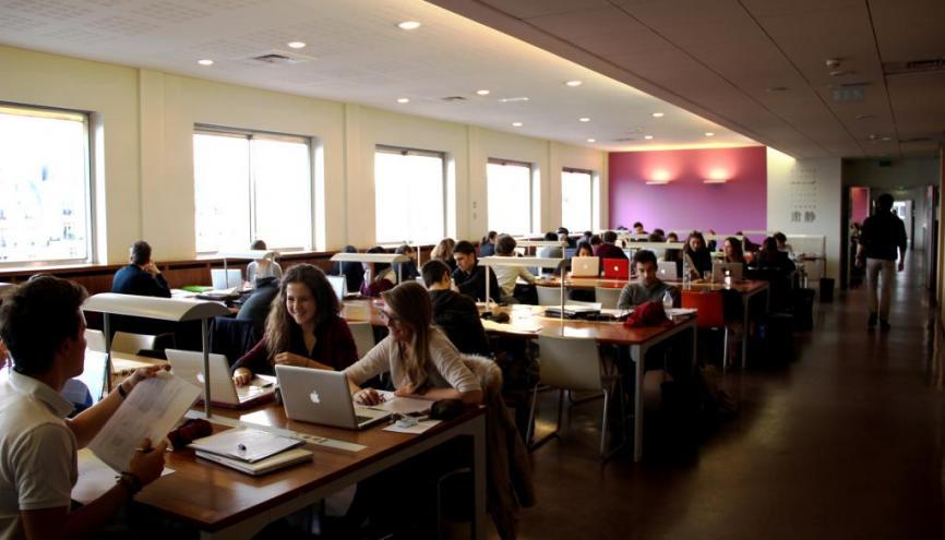 Trường Dauphine là trường duy nhất không tuyển sinh trên mạng post-Bac