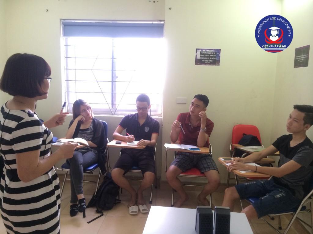 Lớp học tiếng Pháp bắt đầu tại Việt Pháp Á Âu
