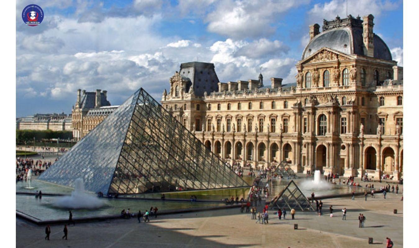 Top 5 trường đại học hàng đầu tại Pháp