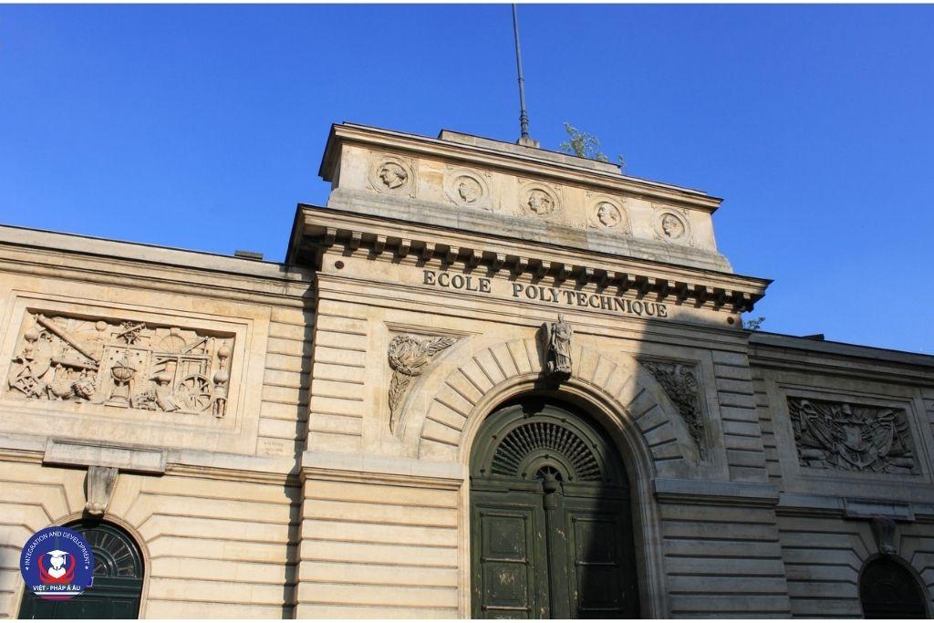 Đại học hàng đầu tại Pháp