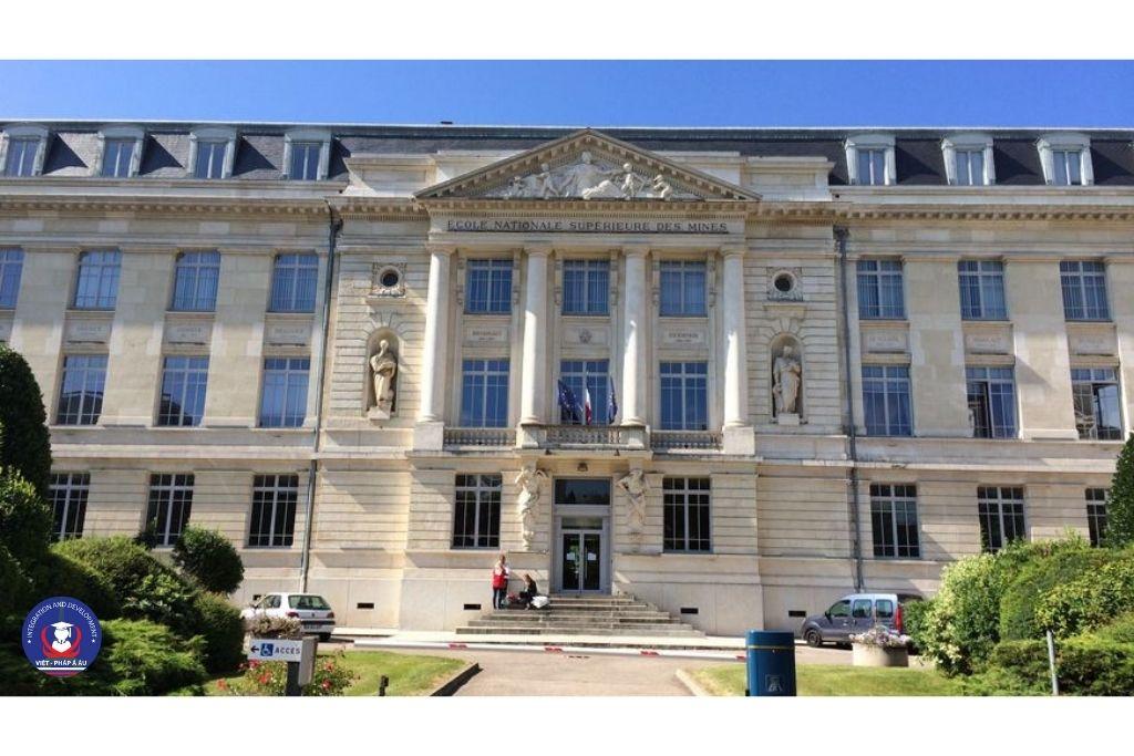 Du học Pháp ngành kỹ thuật hóa học